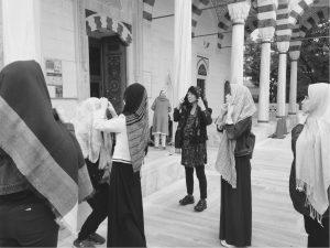 モスクへ入る前に・・