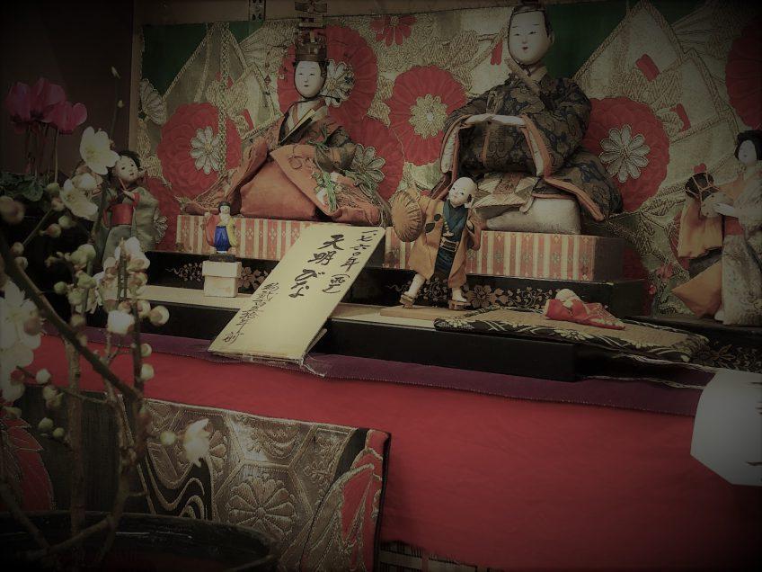 岩村城跡とおひなさま